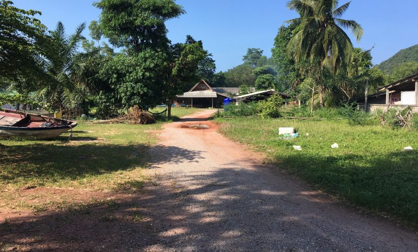 Land Close To The Beach 70 meters