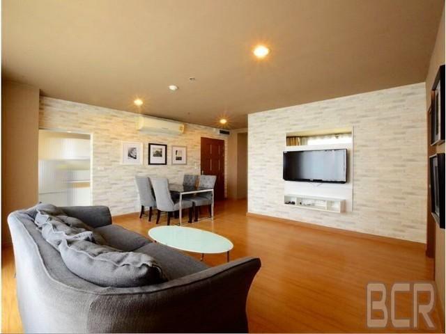 Life at Sukhumvit 65 Luxury Condo Newly Renovated 2BR Corner Unit Rent