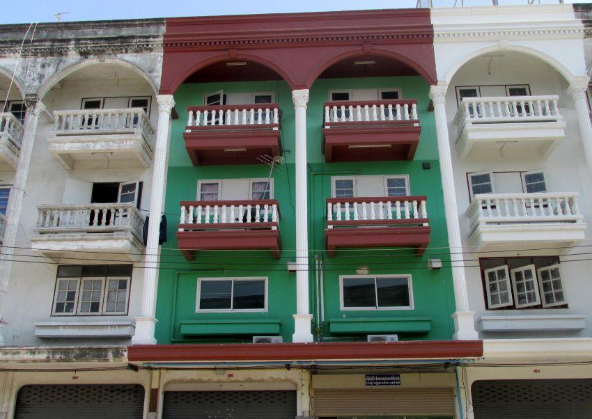 For Rent 4-storey shophouse (2 Buildings) Laem Chabang