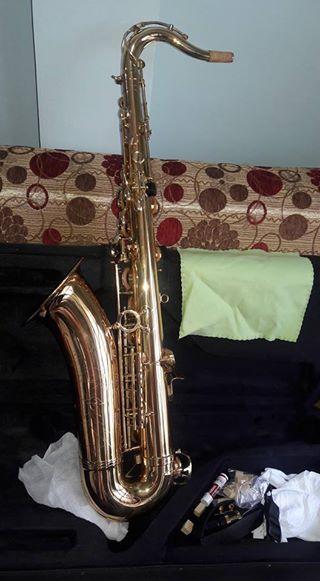 Saxophone - Tenor - Like New