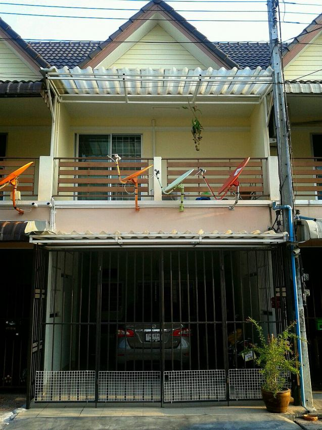 Nice Townhouse For sale With many Extras in Hatyai