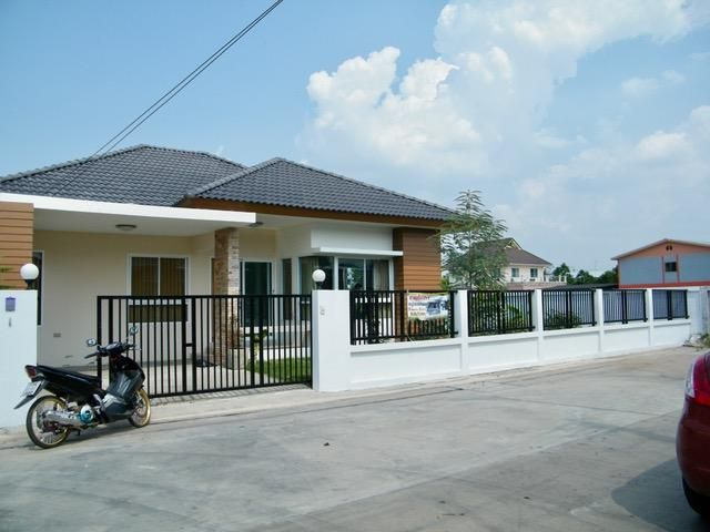 Single storey new house in Naimueang
