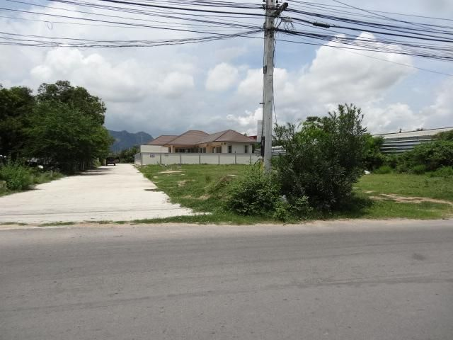 Best 3 Home Building Plots Cha-am Beach!