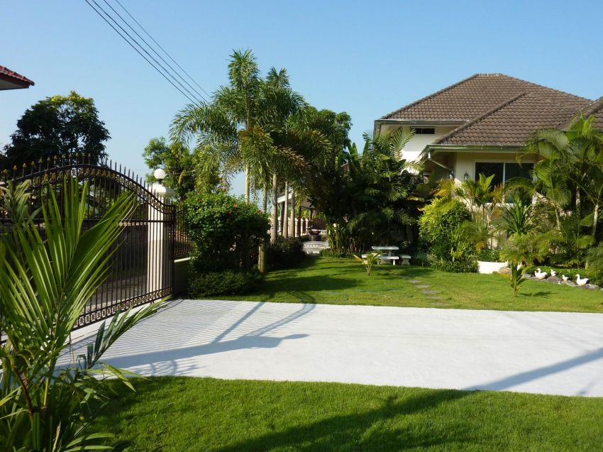 Modern 2-Storey Western Style House for Sale! 4,5 Mio Baht
