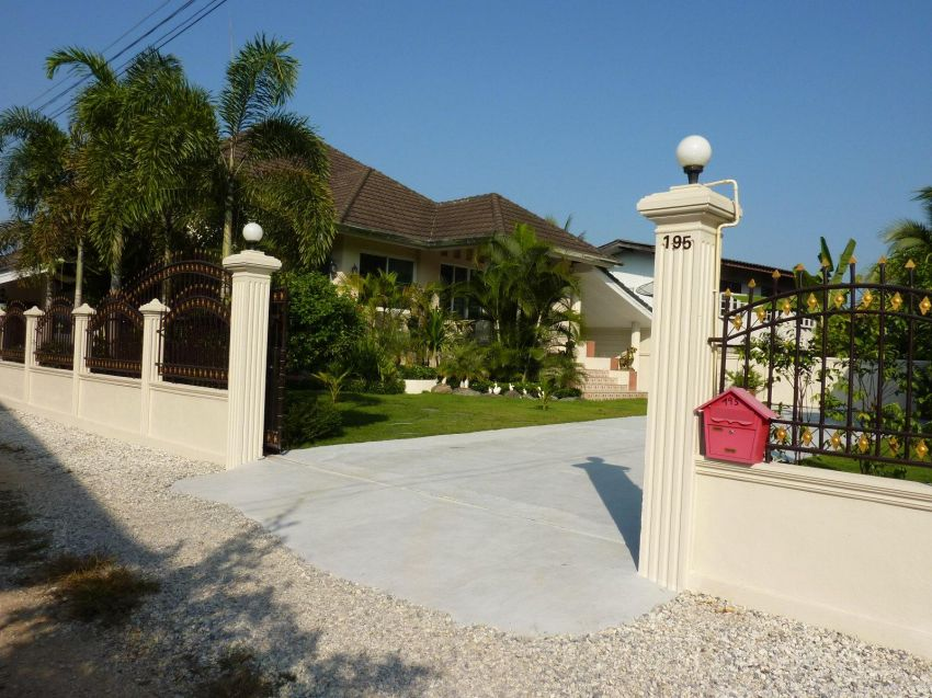 Modern 2-Storey Western Style House for Sale! 3.2Mio Baht