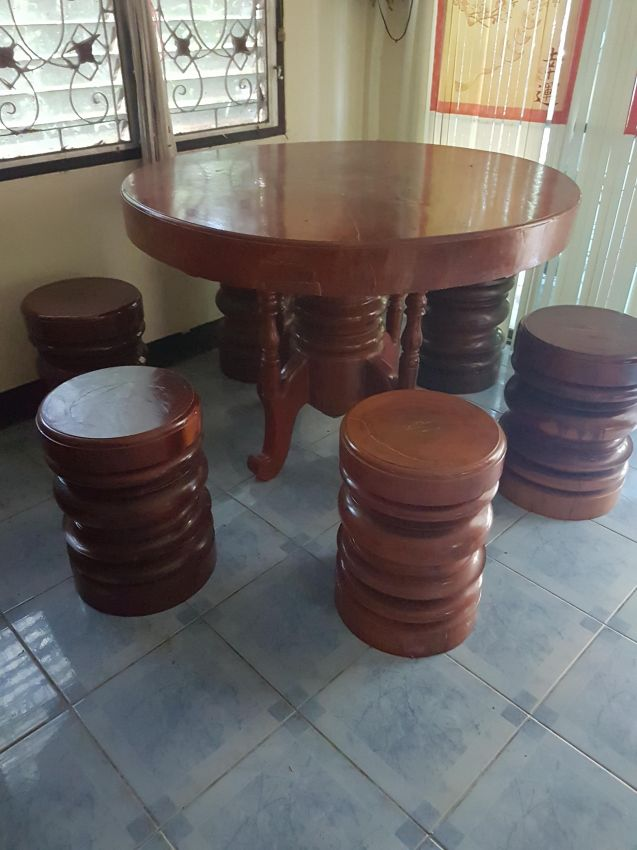 Dinner Table And Stools