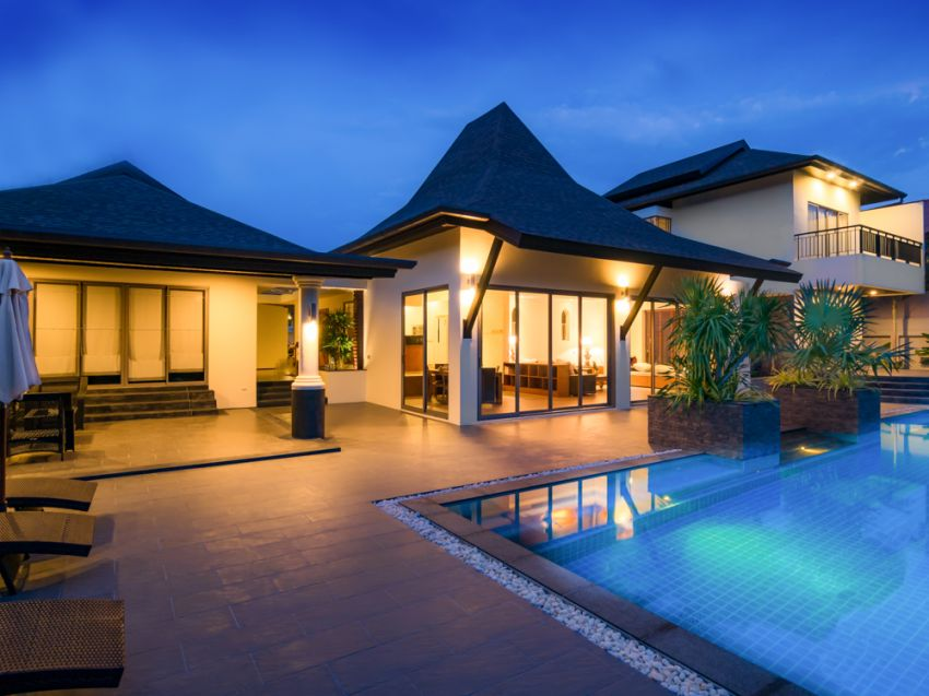 7 bedroom Pool villa For sale (5 mil thb discounted)