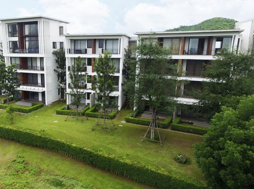 Khao Yai condo with wide open view