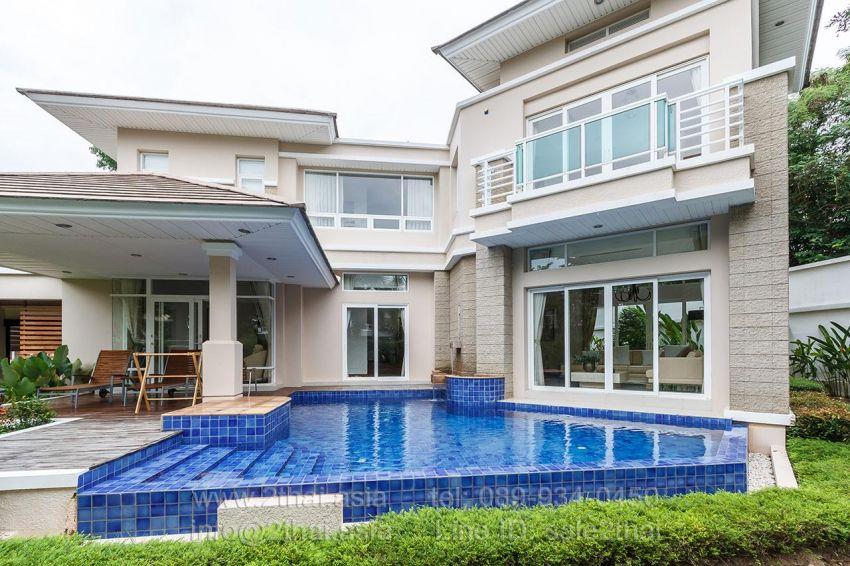 Luxury villa near the beach for sale