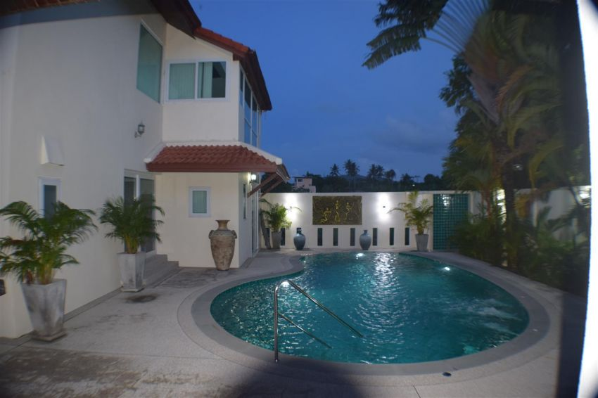 5 Bed/ bath pool villa with massive price reduction