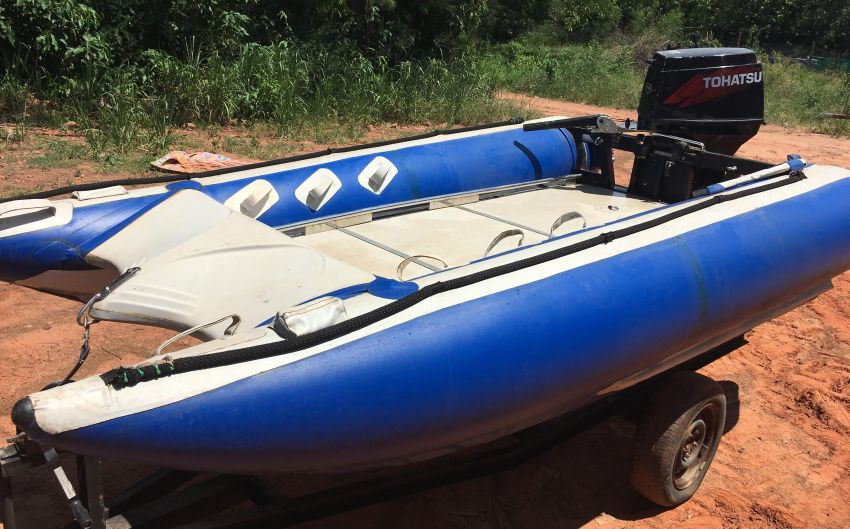 4,2 m Thundercat Surf Racing Dinghy