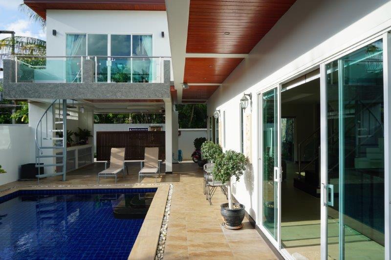 Beautiful 3 bedroom pool vila in a quiet beach location