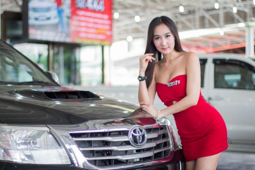 Toyota hilux dealer.Buy + sell .Easy instalment