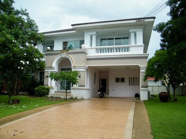 Elegant furnished villa Khon Kaen Lake