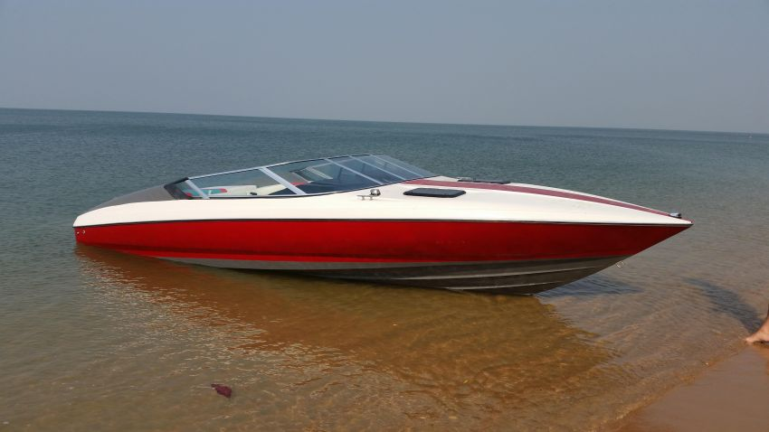 AMERICAN MUSCLE SPEED BOAT,  Arriva 24ft, Simplicity and Reliability