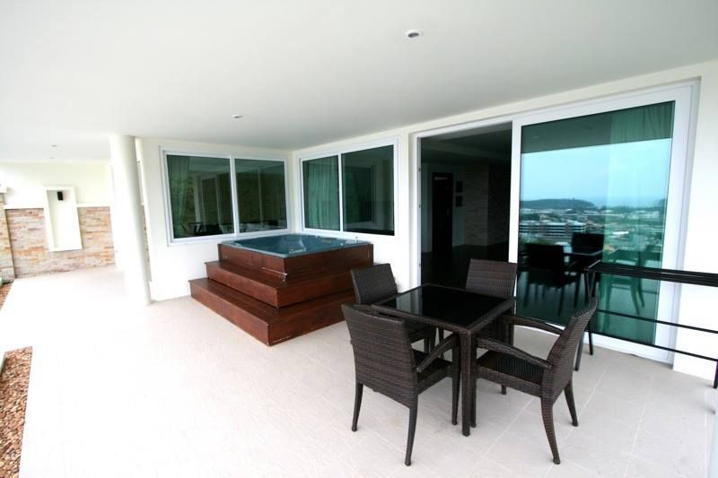 FOR SALE Penthouse on Kata Hillside (Kata Royal Residence)