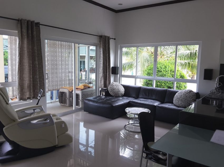 Beautiful 2 Bedroom 2 Bathroom villa with Modify Big Living