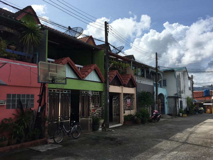 REDUCED SALE -FALANG BAHN - Nice 2 Story Large Unit For Sale Phuket
