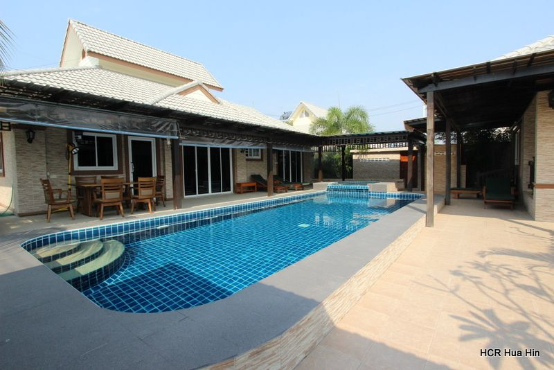 Beautiful large 7bedroom plot with pool and landscape garden