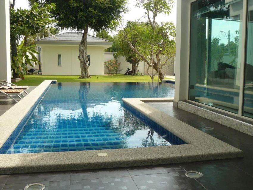 Very Nice Pool Villa For Sale in Jomtien Beach
