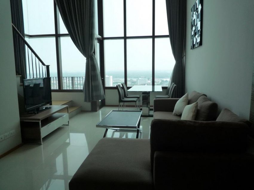 The Emporio Place 1 Bedroom Duplex High Floor for rent