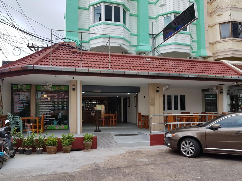 Welcome inn Hotel on Karon Beach to long term Lease or sell.