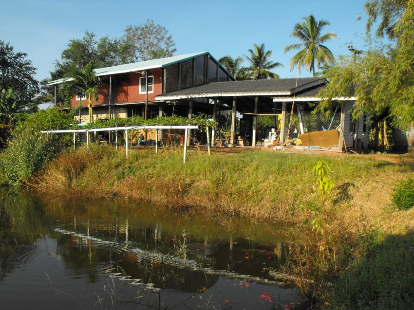 20 Rai House Well stocked fishing pond River front