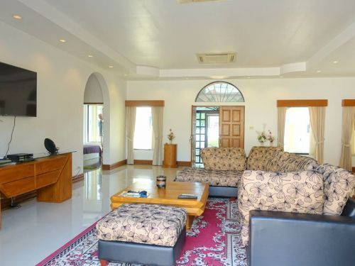Lovely 3 bedroom villa with private pool for rent