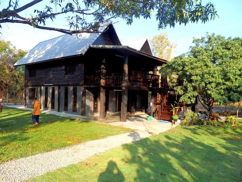2 Countryside Teakwood Houses on 4 rai