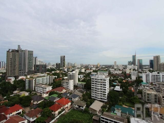 Waterford Diamond Tower Condo High Floor 2 Bedroom Unit for Rent