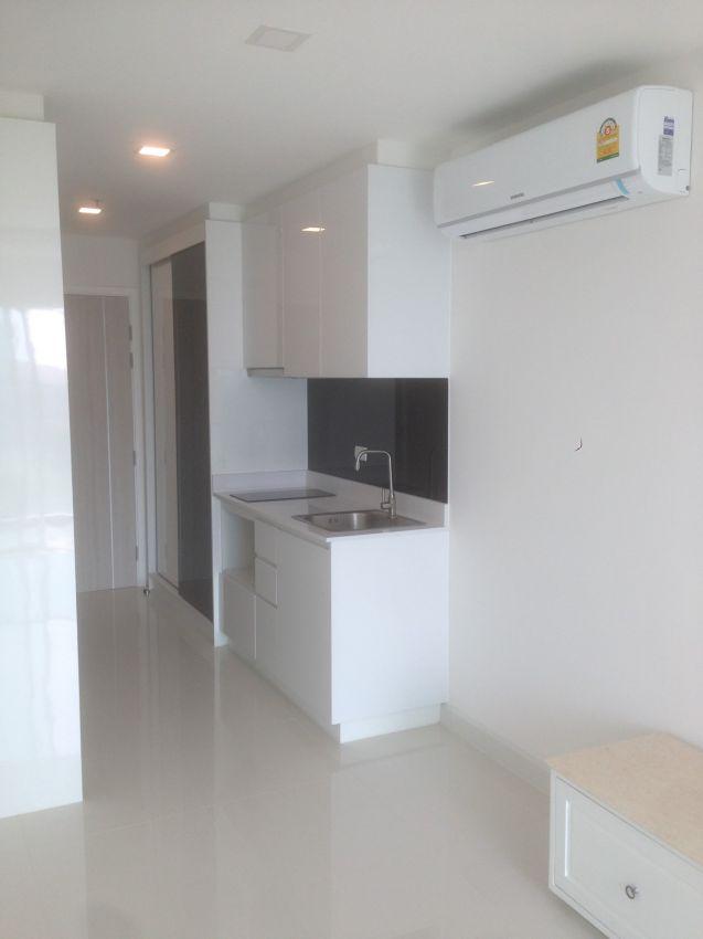 One Tower Pratumnak – Cheap Studio Room for Sale