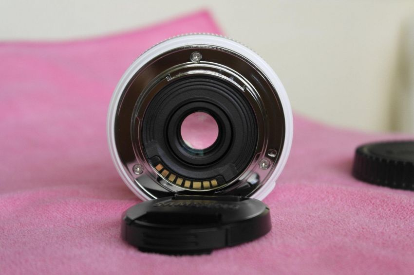Samsung NX 16mm f2.4 White Wide Angle Lens