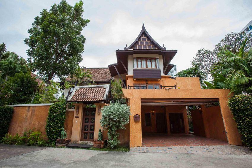 Dharavadi Villa For Sale