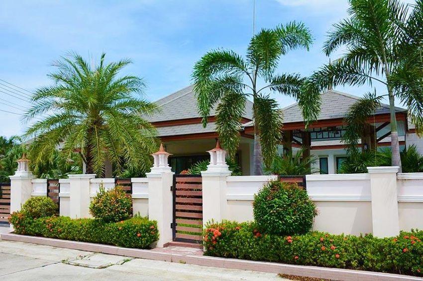 Stunning Pool Villa