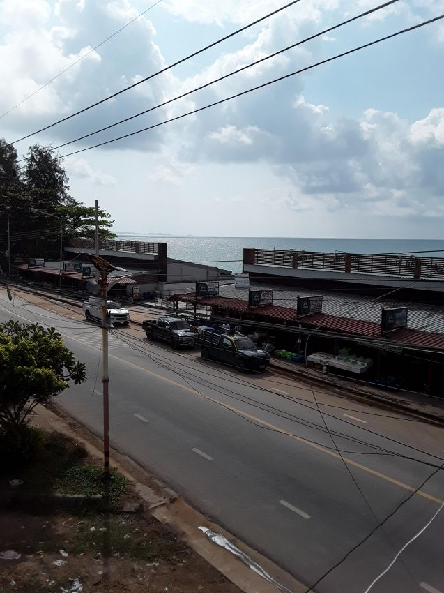 80 m2 app for rent on hat mae ramphueng beach rayong
