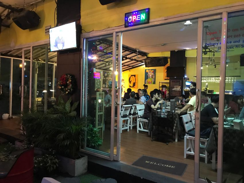 Resturant for sale on Sukhumvit 89/1rd, free parking