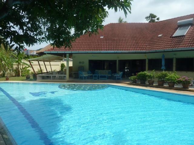 Phuket Rawai pool house for rent 3bedrooms1200 sqm