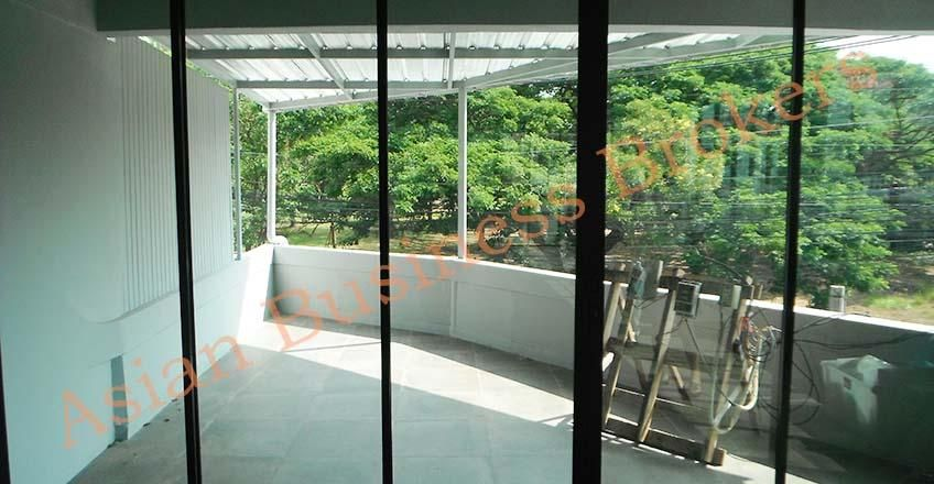 5007012 Golden Hua Hin Shop Opportunity in Superb Location