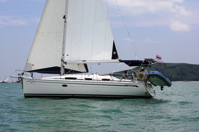 Beautiful 2008 Bavaria Cruiser 34 sloop now available