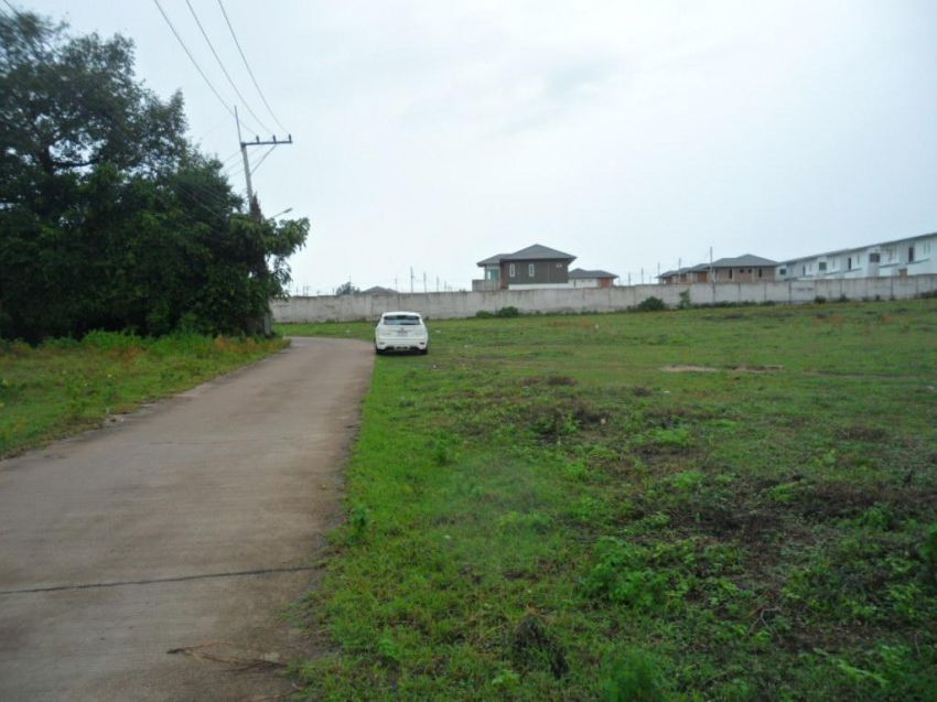 1 Rai Plot Close to Central Huay Yai