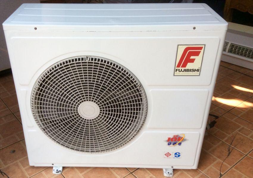 Fujibishi 35000BTU in almost brand new conditions 1 year warranty