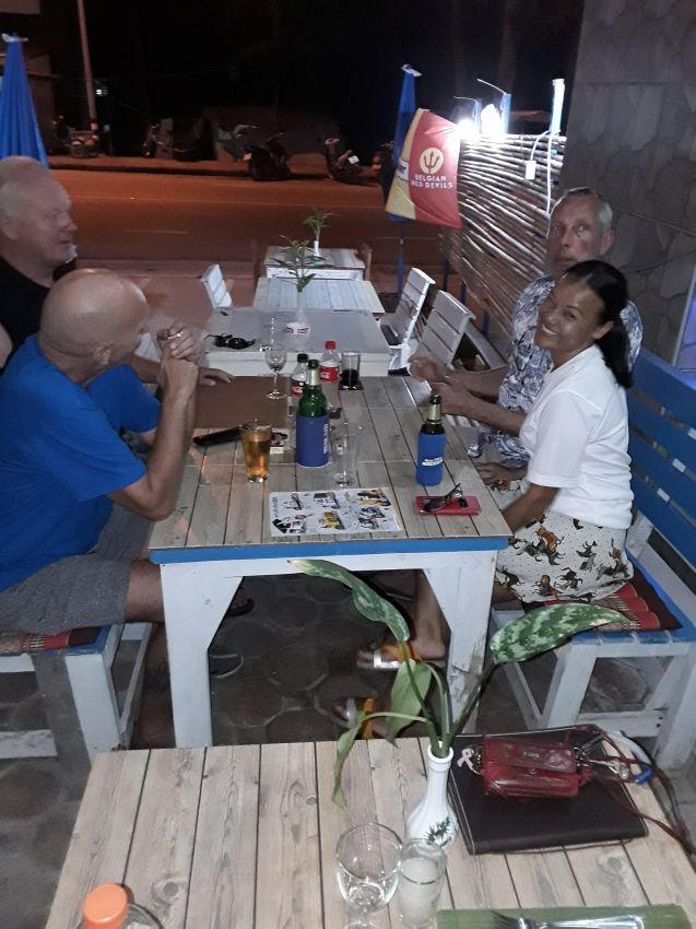 Belgium Thai international restaurant with 1 app for rent