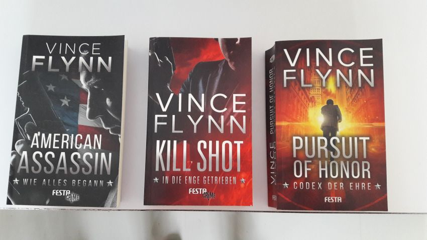 3 books in german language, thriller by Vince Flynn