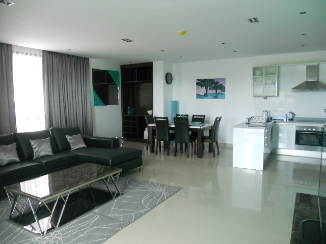 Huge 2 Bed 165m2 Luxury condo discounted