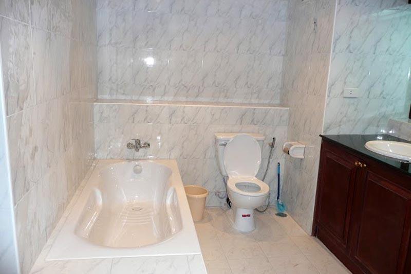 Huge Jomtien 2 Bedroom For Sale WIth Tenant
