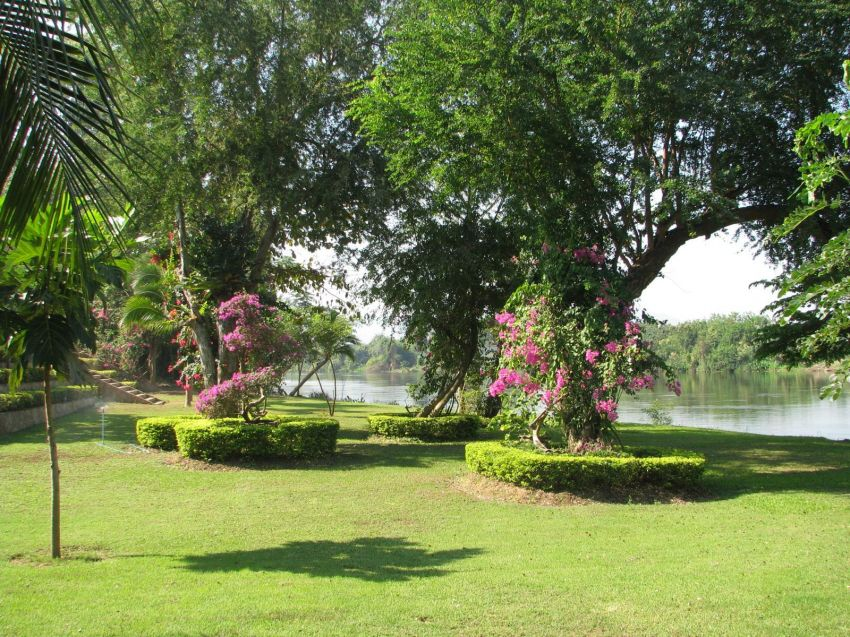 River Kwai paradise with 4 homes and income