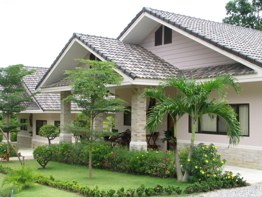 - Heavily reduced - River Kwai paradise with 4 homes and income
