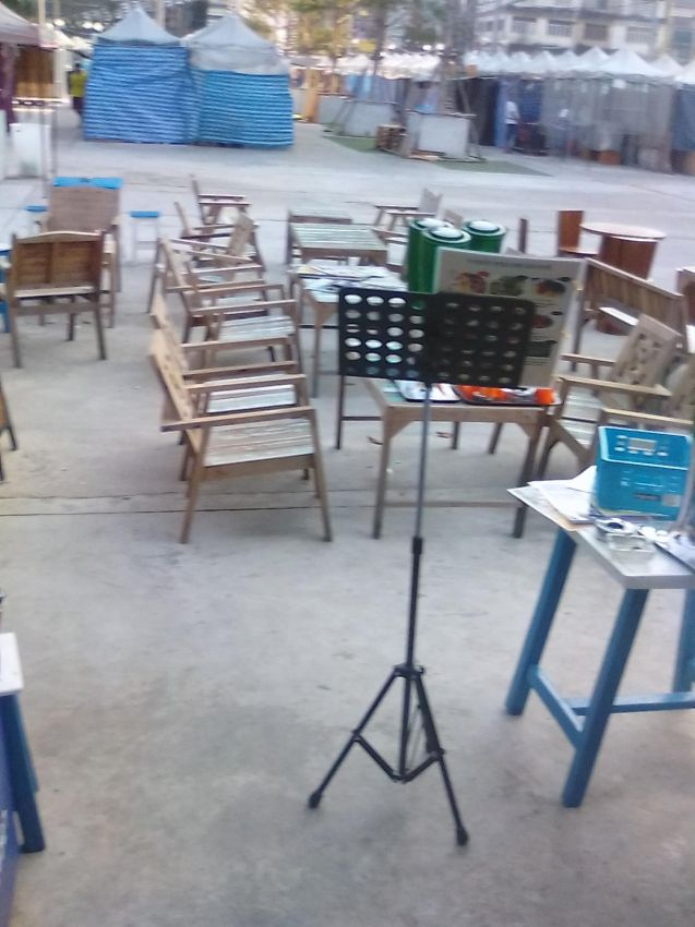 Sell teak wood tables and chairs