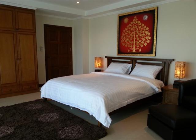 Jomtien 3 Bedroom Condo for Rent Or Sale