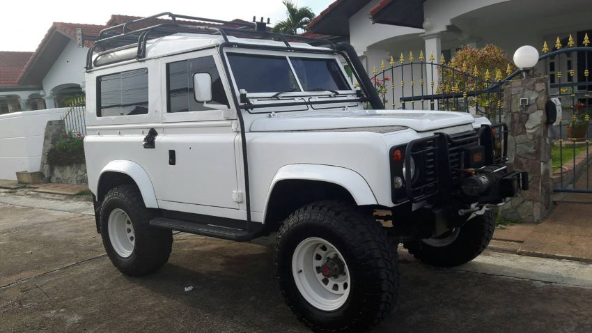 Very Nice Land Rover Defender 88 4x4